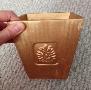 Decorative Flower Pot/Holder